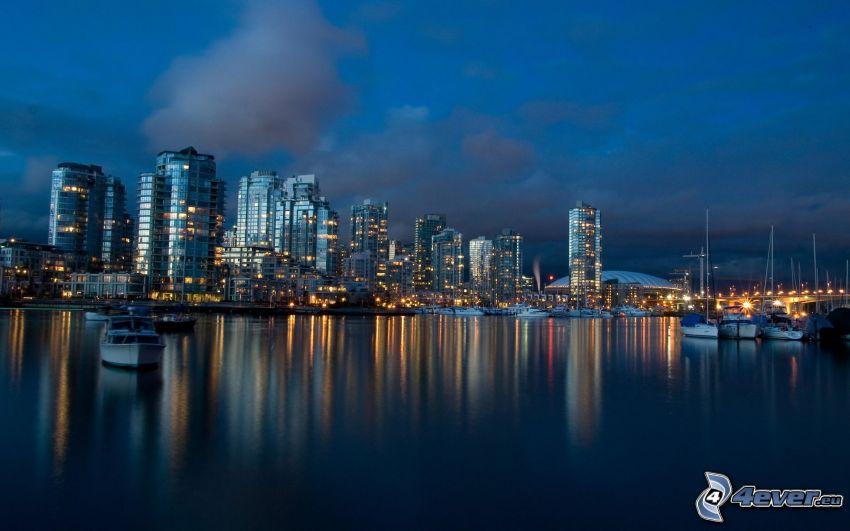Vancouver, ciudad de noche, rascacielos
