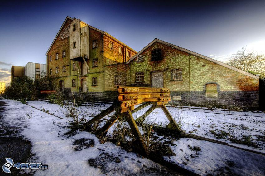 fábrica antigua, carril, nieve, HDR