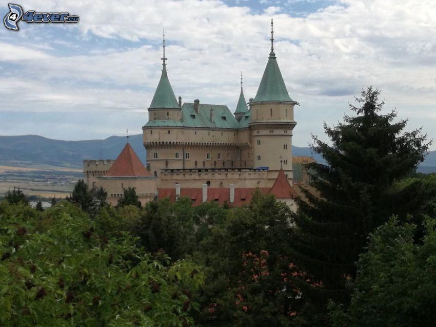 Castillo Bojnice, árboles
