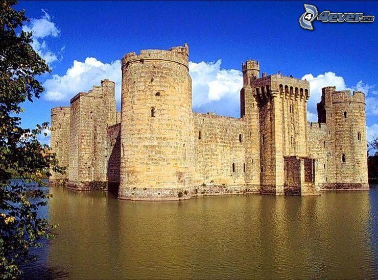 Castillo cerca de gua, lago, fortificación