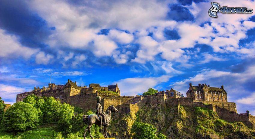 Castillo de Edimburgo, estatua, nubes, HDR