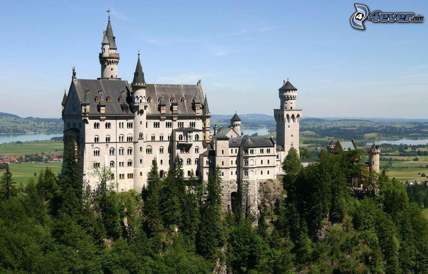 castillo de Neuschwanstein, árboles