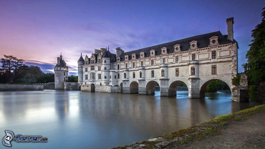 Château de Chenonceau, río, después de la puesta del sol