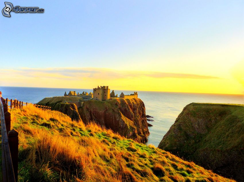 Dunnottar, puesta del sol, Alta Mar