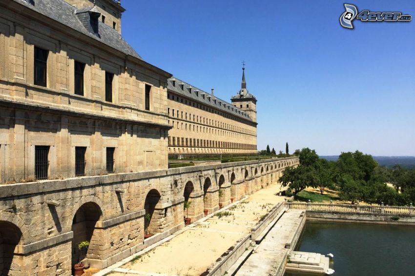 El Escorial, piscina