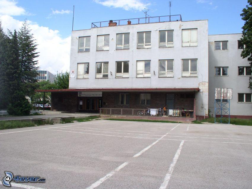 escuela, Nitra