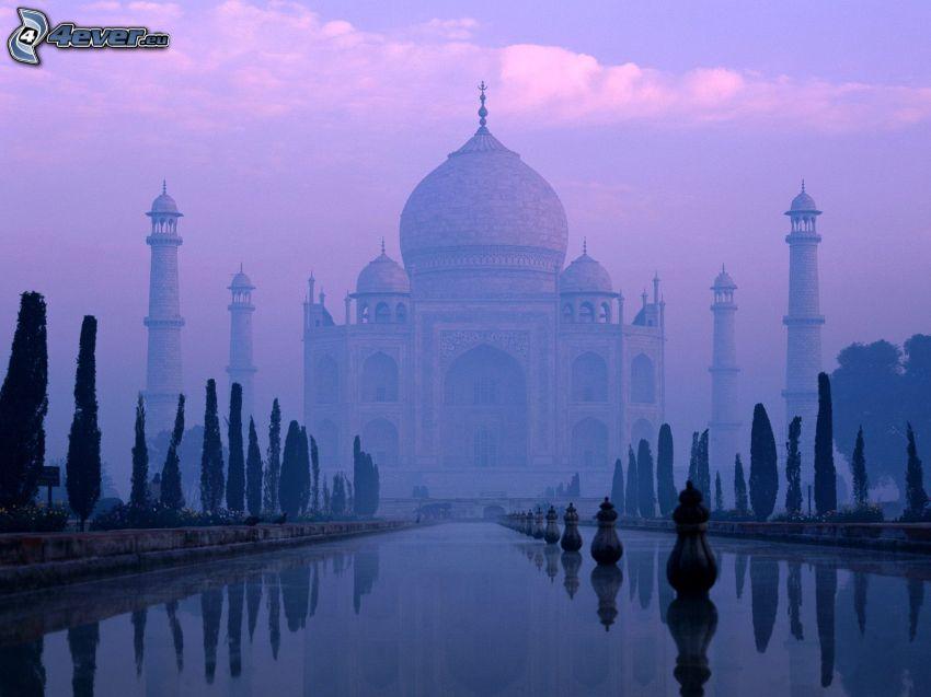 Taj Mahal, niebla, agua, cielo púrpura