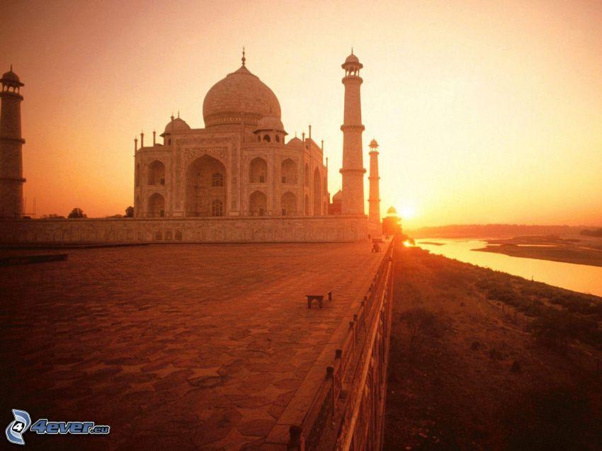 Taj Mahal, río, puesta del sol