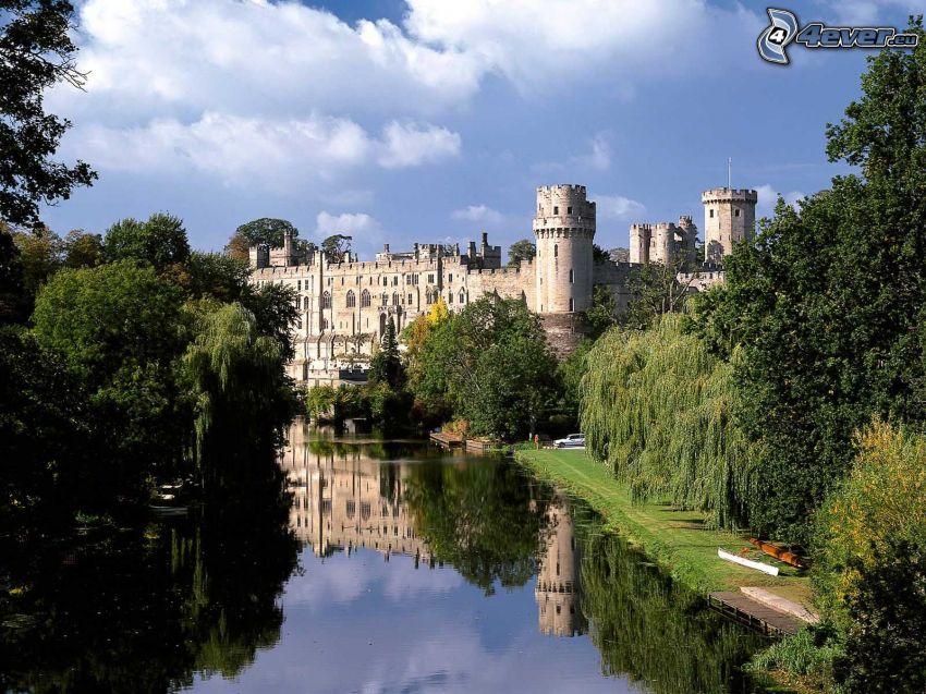 Warwick Castle, río, árboles, Inglaterra