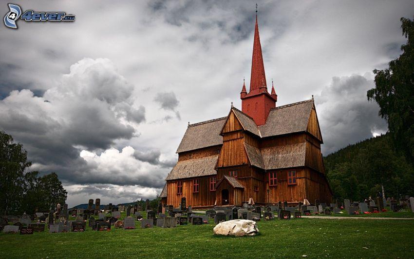 iglesia de madera, cementerio, nubes