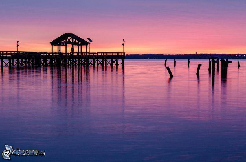 muelle de madera, mar, cielo púrpura