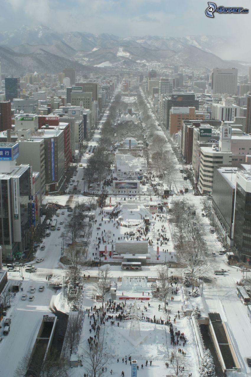 Odori Park, Sapporo, nieve, montaña nevada