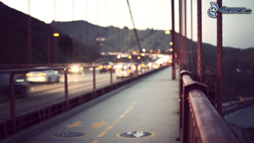 Golden Gate, acera