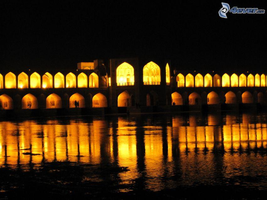 Khaju Bridge, puente iluminado