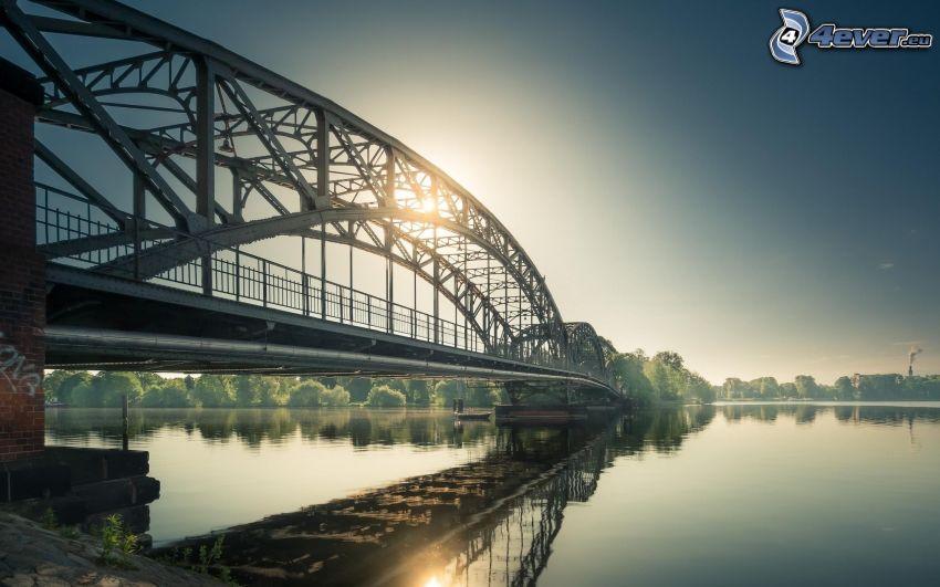 puente de hierro, río, reflejo, salida del sol