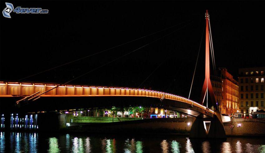 puente iluminado, noche, río