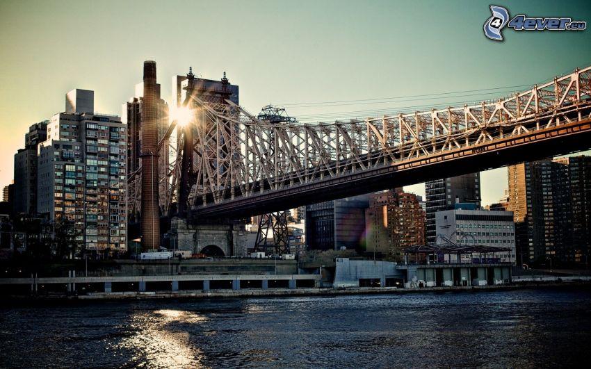 Queensboro bridge, New York, sol