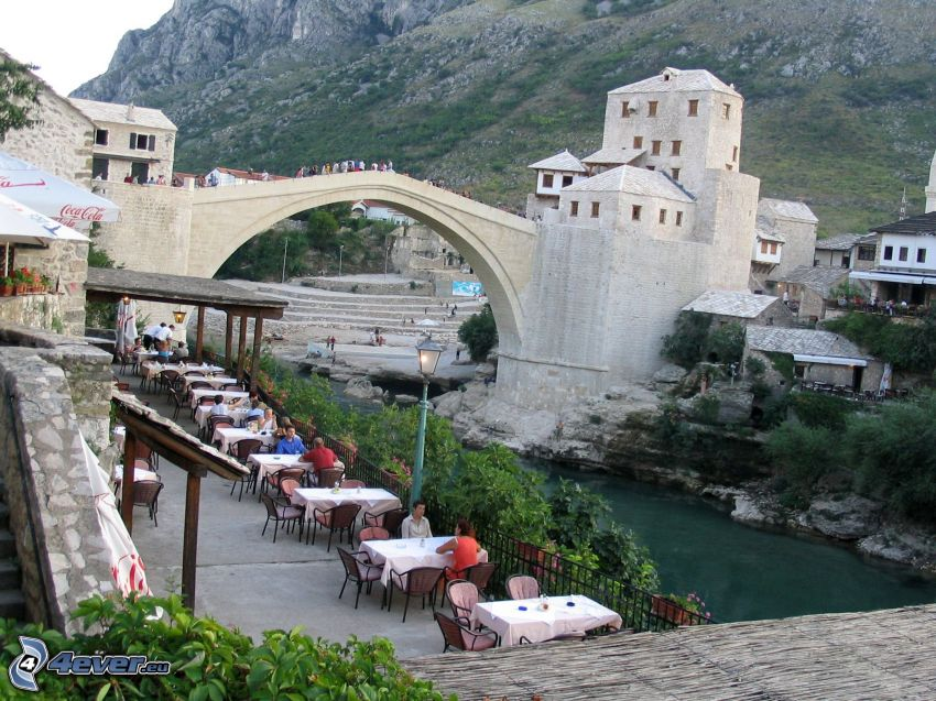 Stari Most, restaurante, Neretva, Mostar