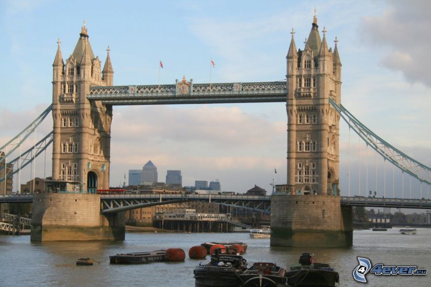 Tower Bridge, naves, Río Támesis