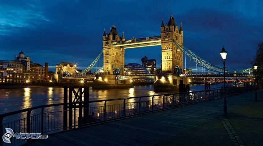 Tower Bridge, noche, puente iluminado