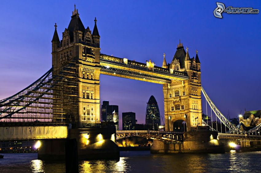 Tower Bridge, puente iluminado, Londres, noche