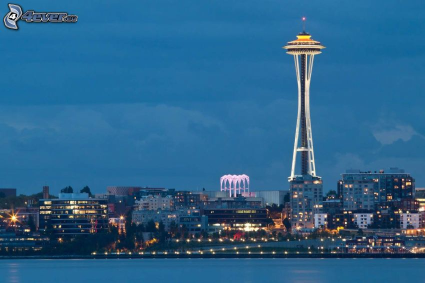 Space Needle, Ciudad al atardecer