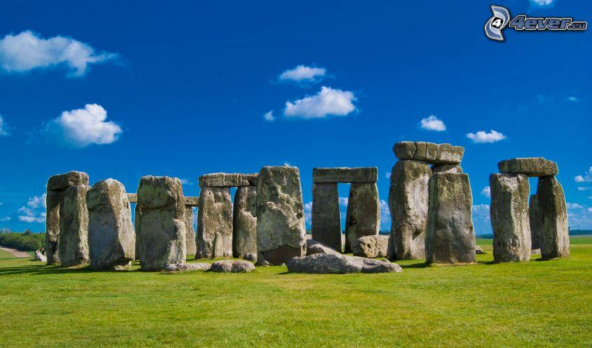 Stonehenge, hierba, cielo azul, nubes