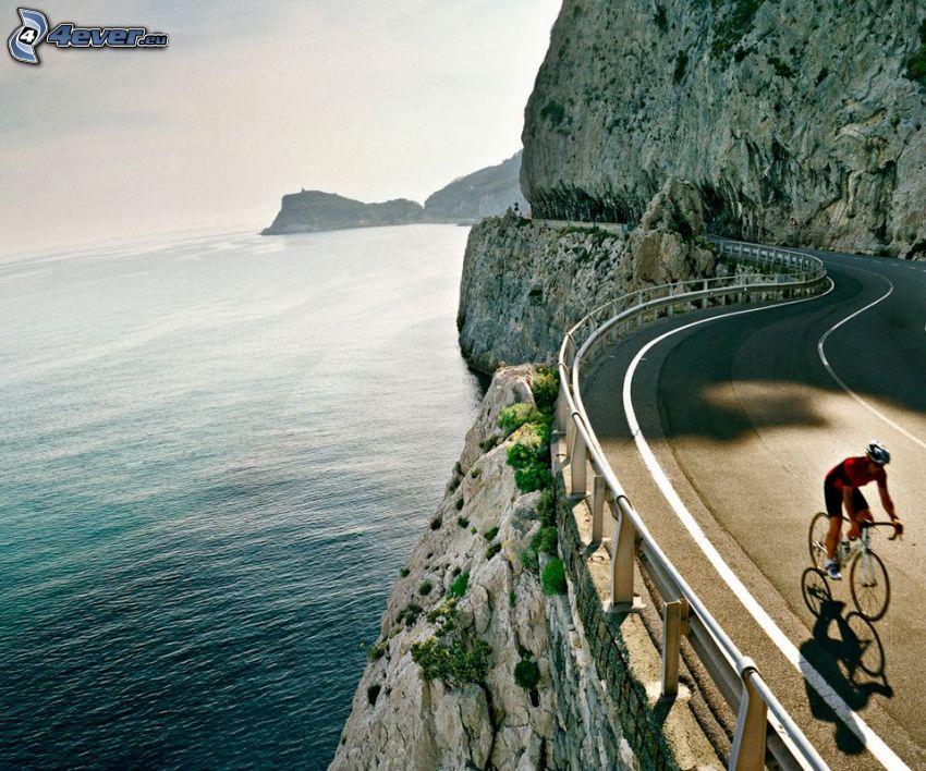 camino, ciclista, acantilados costeros, mar
