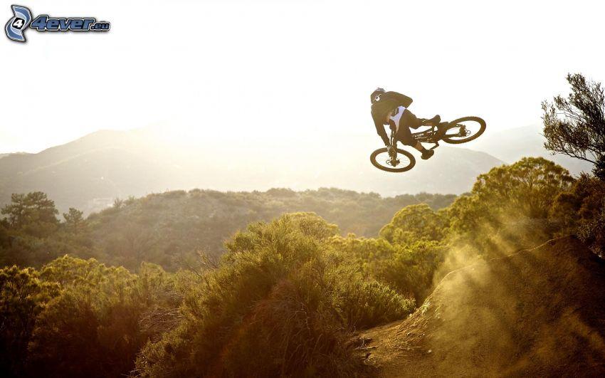salto en la bicicleta, adrenaline
