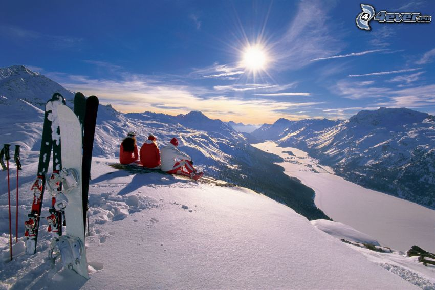 declive, esquiadores, paisaje nevado, sol