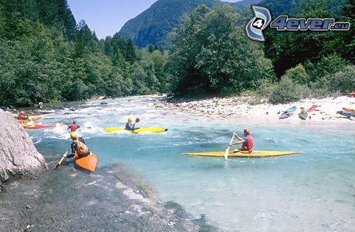 rafting, aguas bravas, kayak, paso rápido por un río, rafting
