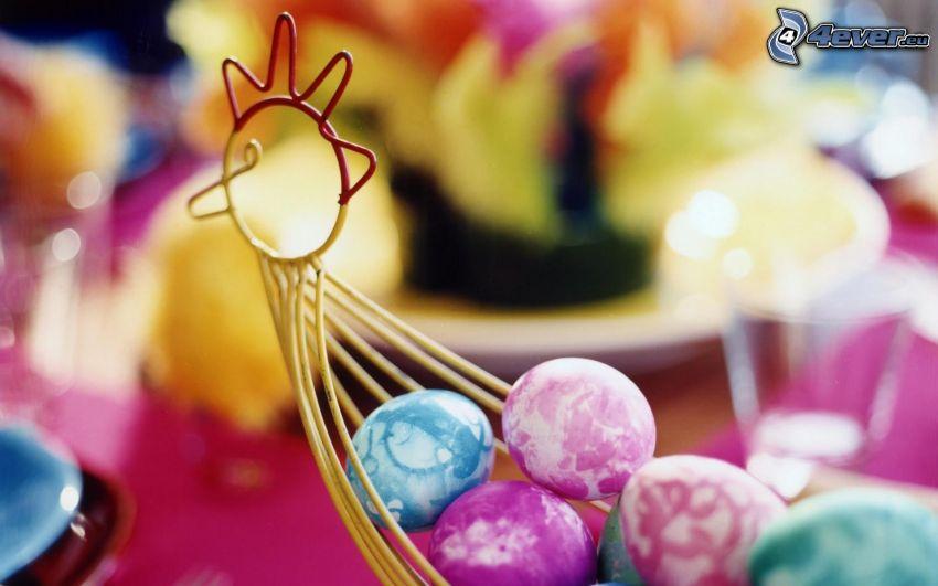 gallo, huevos pintados, huevo de Pascua