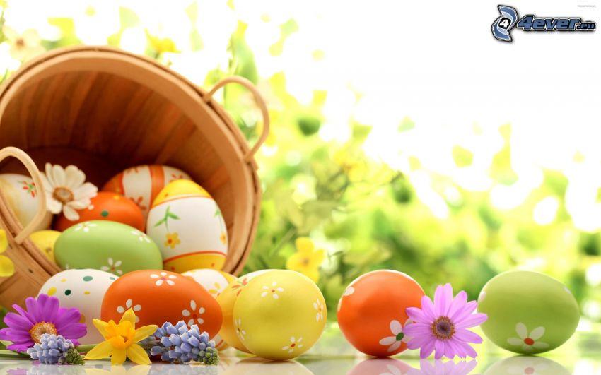huevos de pascua, flores de campo