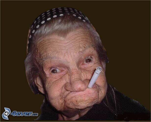 abuelita, cigarrillo, fumar, entretenimiento