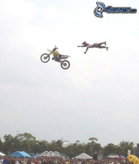 motocicleta, vuelo, accidente