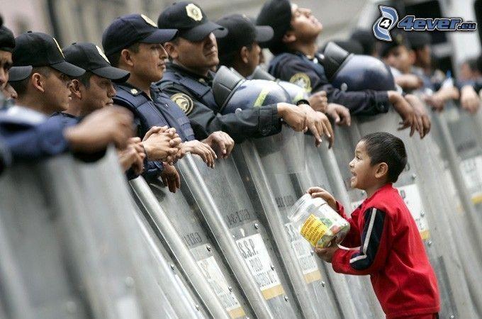 niño, dinero, policía