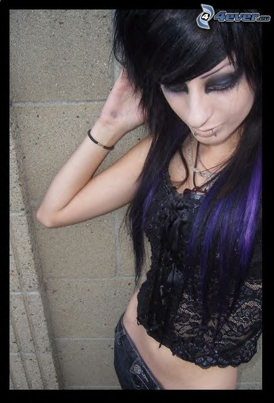 emo chica, flequillo, piercing