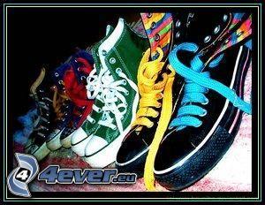 zapatillas de colores, botas de china