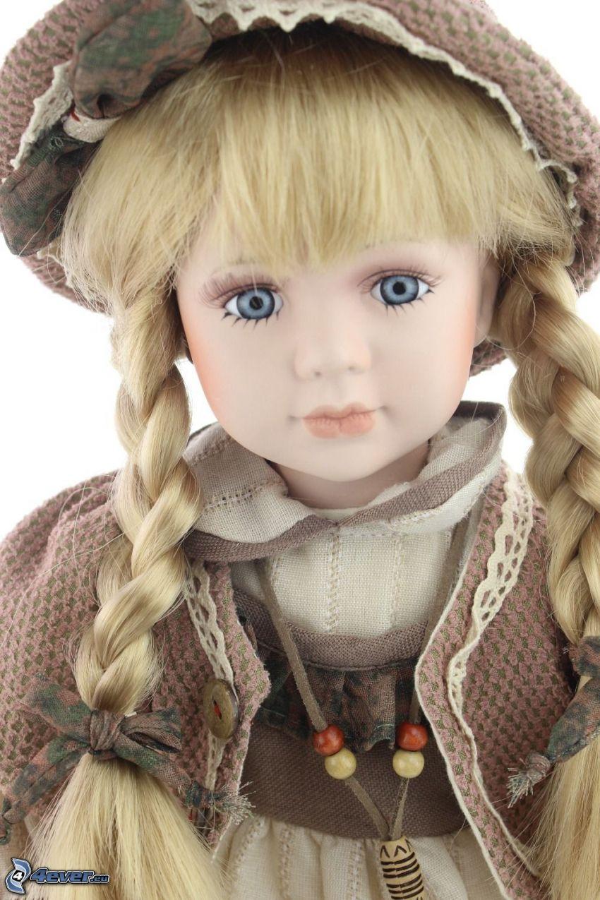 muñeca de porcelana, trenzas, ojos azules