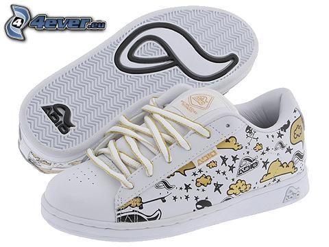 Adio, zapatillas blancas