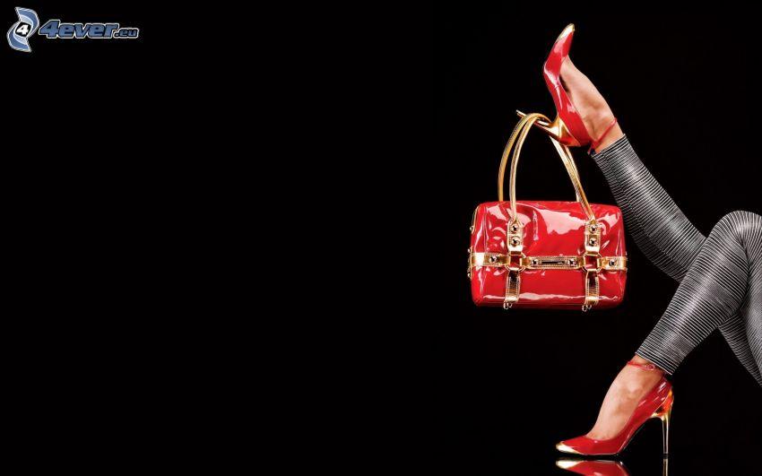 bolso rojo, zapatos con tacón, pies