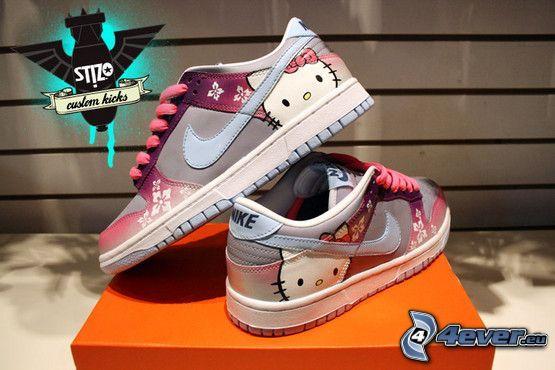 Nike, Hello Kitty, zapatillas de colores