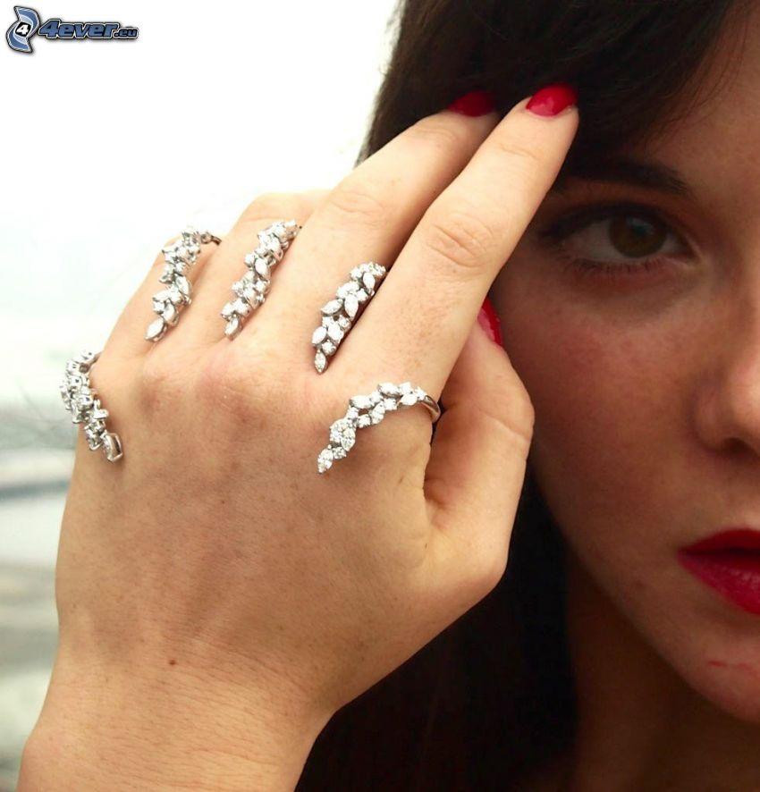 pulsera, mano, cara, labios rojos