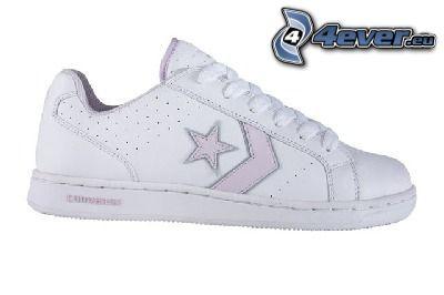 zapatilla de deporte blanca, estrella