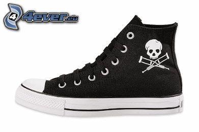 zapatillas con el cráneo, botas de china, zapatilla de deporte negra
