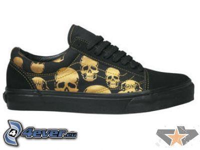 zapatillas con el cráneo, esqueleto