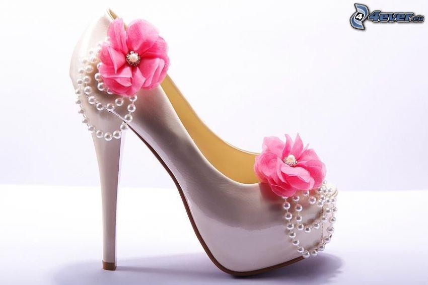 zapato de gala, rosario, flores de color rosa