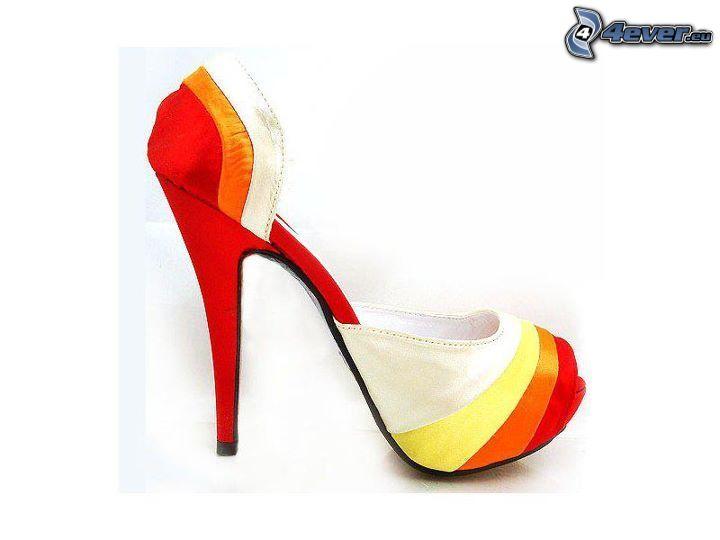 zapatos con tacon coloridos