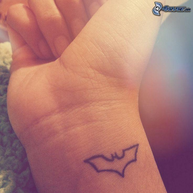 tatuaje, murciélago, muñeca de la mano
