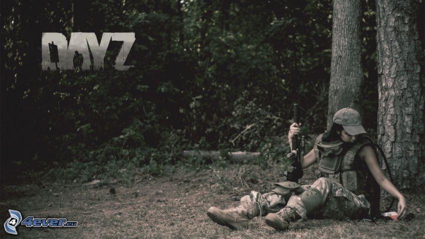 DayZ, mujer soldado